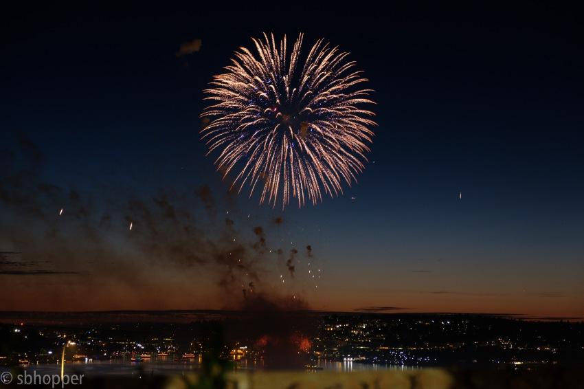 Fireworks Lake Union smaller (8 of 14)