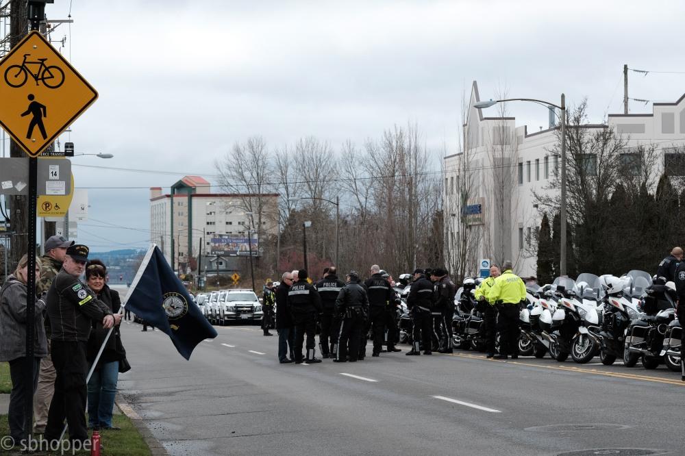 Procession for Sheriff's Deputy Daniel McCartney (2 of 11)
