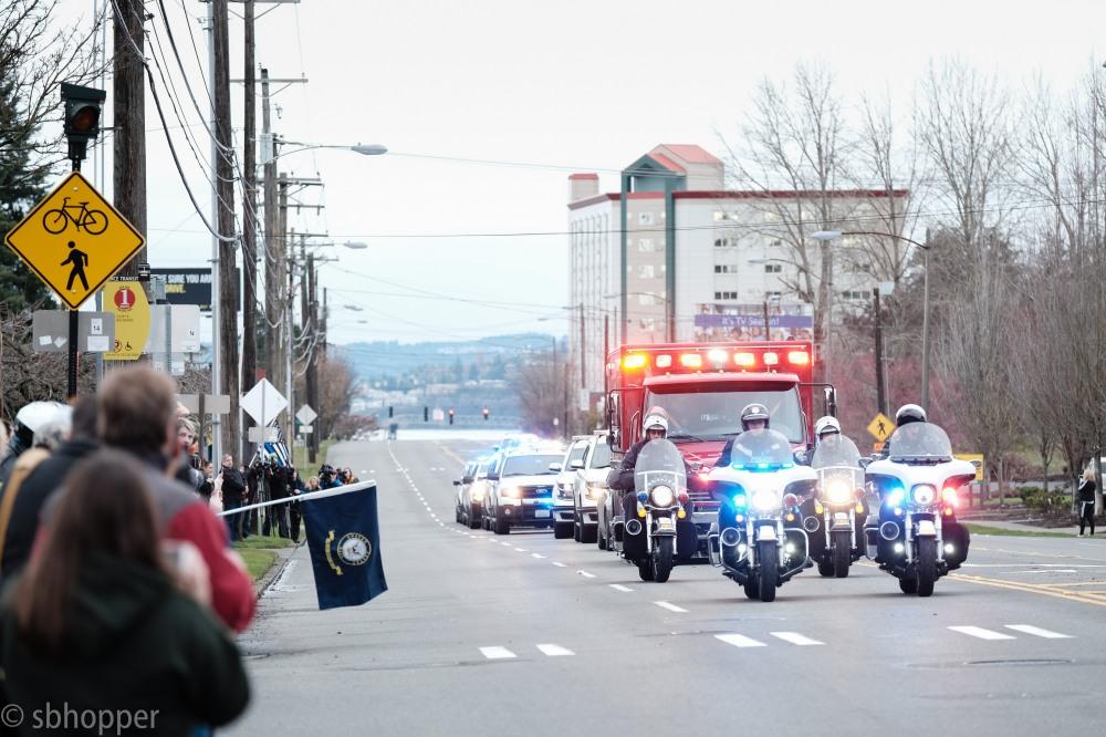Procession for Sheriff's Deputy Daniel McCartney (7 of 11)